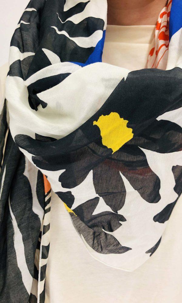 Alessia Santi Tuch mit florealem Print | Calamita Onlineshop